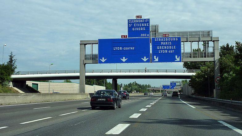 Protest we Francji. Transportowcy domagają się podwyżek