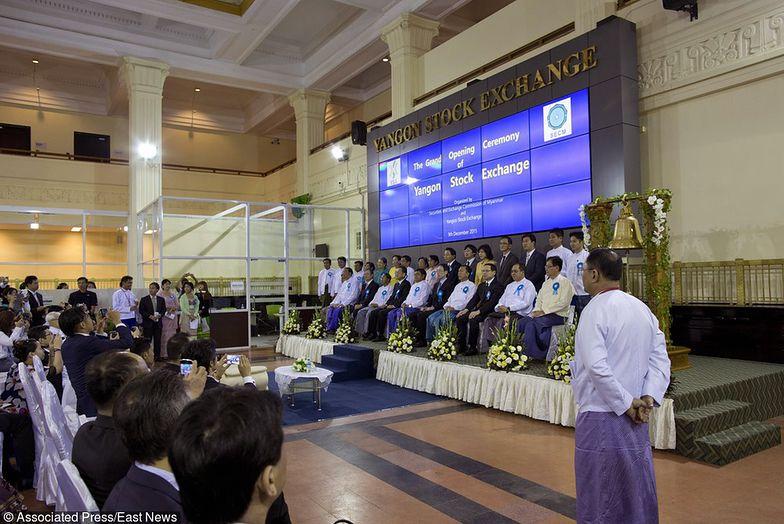 Oficjalnie otwarto giełdę papierów wartościowych w Birmie