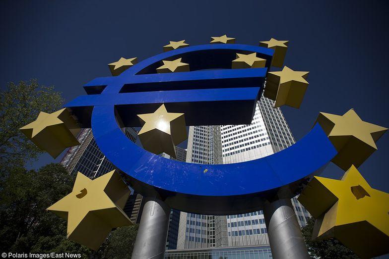 Obowiązkowe pożegnanie ze złotówką? KE chce, by do 2025 roku euro było we wszystkich krajach UE