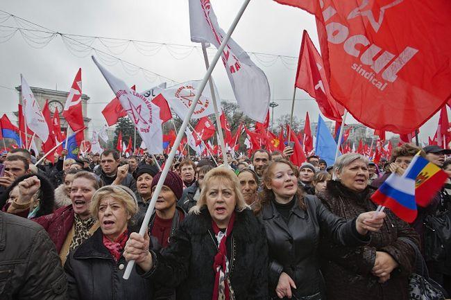 Mołdawia: Tysiące ludzi demonstrowały przeciw zacieśnianiu więzi z UE