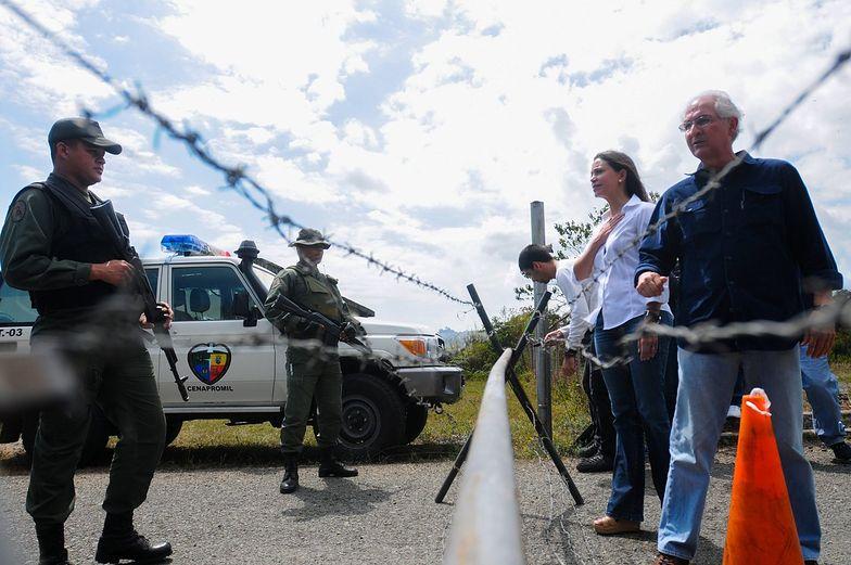 """Protesty w Wenezueli przybierają na sile. """"Strefa wojenna"""""""