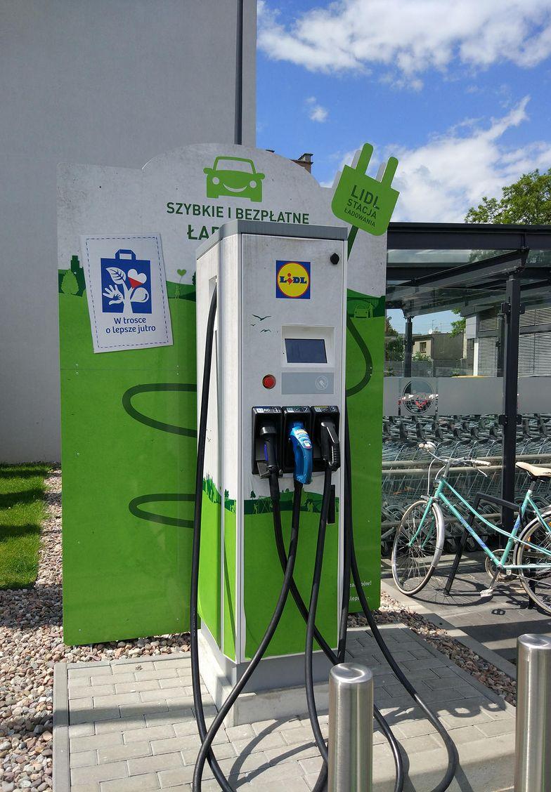 Stacje ładowania aut na prąd: ile to kosztuje?
