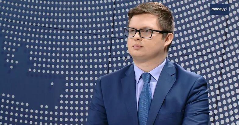 """""""Money. To się liczy"""". Minister Jadwiga Emilewicz o polskim autobusie elektrycznym"""