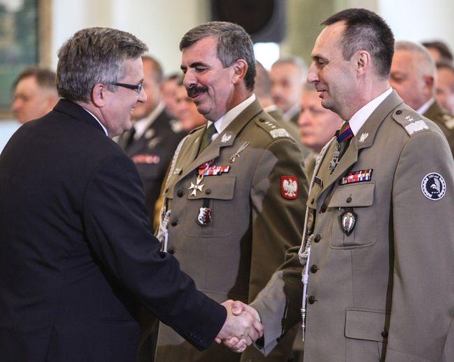 Komorowski podpisał ustawę zmieniającą system dowodzenia wojskiem