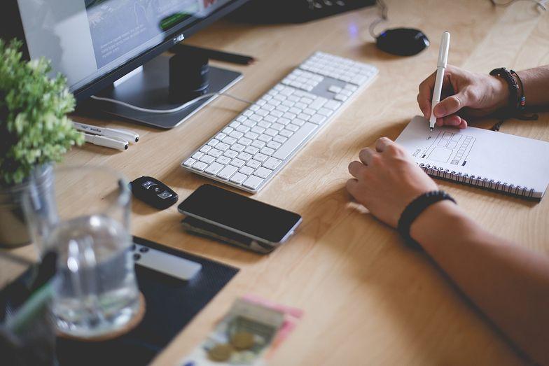 Prowadzenie działalności można pogodzić z równoczesną pracą na umowę zlecenie