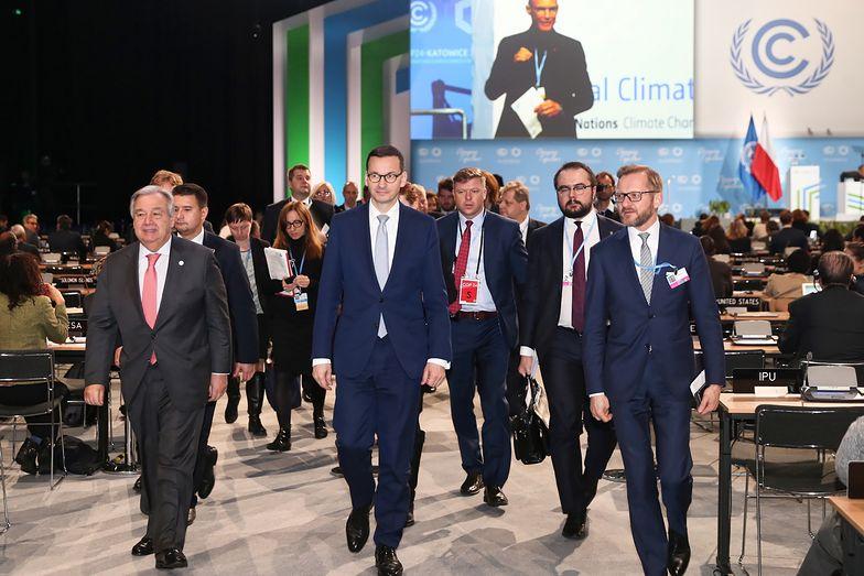 Premier Mateusz Morawiecki i sekretarz generalny ONZ Antonio Guterres (po lewej) podczas drugiego dnia COP24.