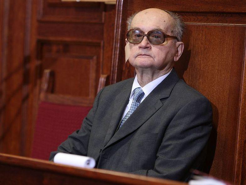 Generał Jaruzelski trafił do szpitala