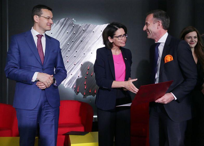 po prawej Jean Francois Fallacher, prezes Orange Polska
