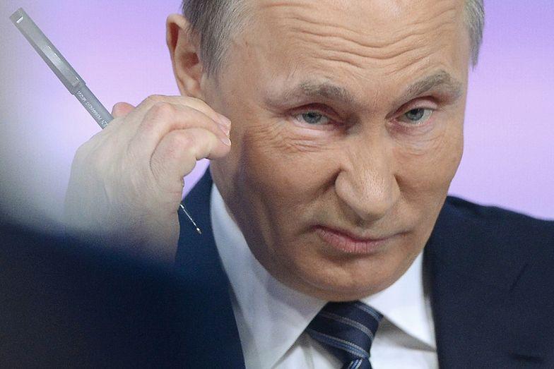 """Putin potrzebuje pieniędzy. Wyprzedaje """"rodowe srebra"""""""