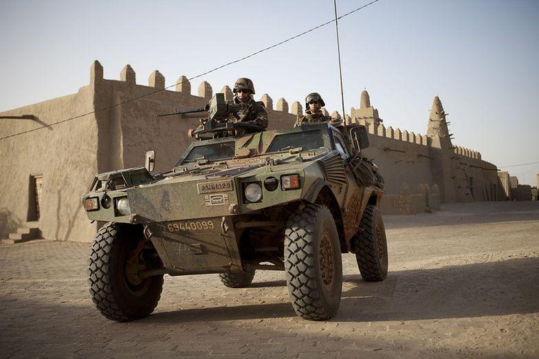 Francja wzmacnia obecność wojskową w Mali