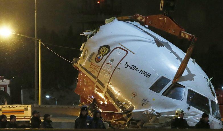 Samolot pasażerski rozbił się przy awaryjnym lądowaniu w Rosji