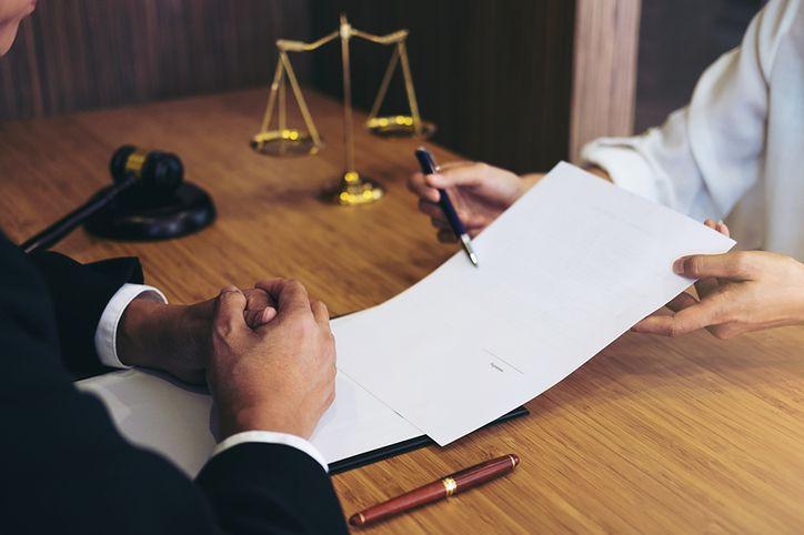 Radca prawny w Kielcach najpewniej znajdzie pracę biurową związaną ze swoją dziedziną
