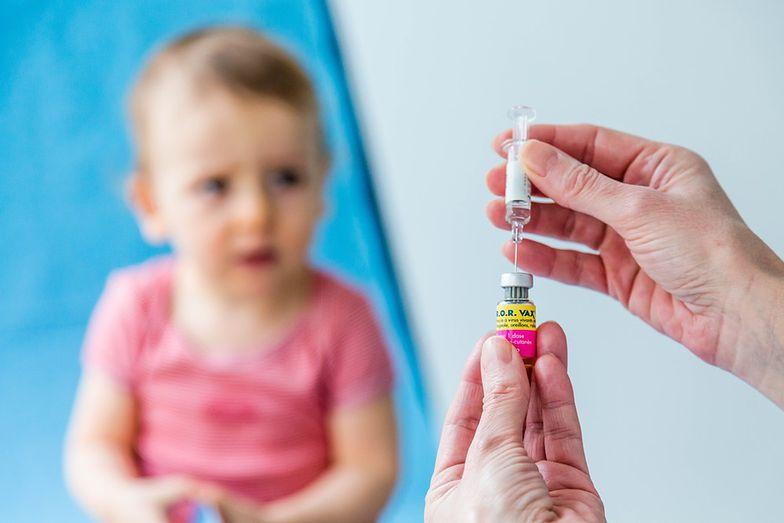 Za nieszczepienie dziecka grzywna lub pozbawienie praw rodzicielskich