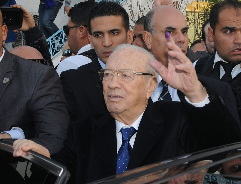 Wybory w Tunezji. Essebsi ogłasza zwycięstwo w wyborach, jego rywal zaprzecza