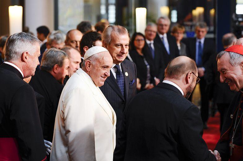 Zaufanie do instytucji państwa we Włoszech. Franciszek liderem