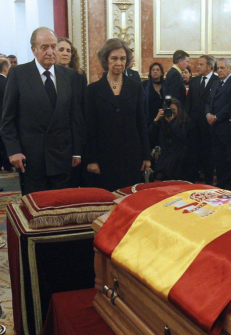 Od lewej: król Juan Carlos, księżna Elena królowa Sofia