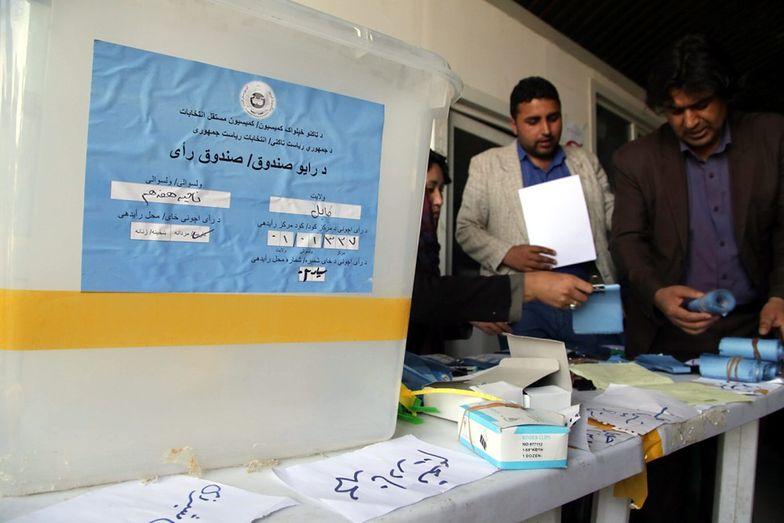 Liczenie głosów w Kabulu