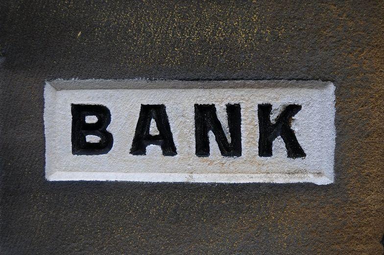 Banki znalazły sposób na ucieczkę przed podatkiem. Zabraknie 5 mld zł na program 500+?