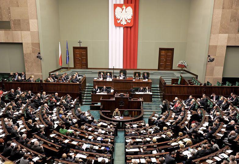 Ustawa chroniąca polskie spółki przed wrogim przejęciem przegłosowana w Sejmie. Listę ustali rząd
