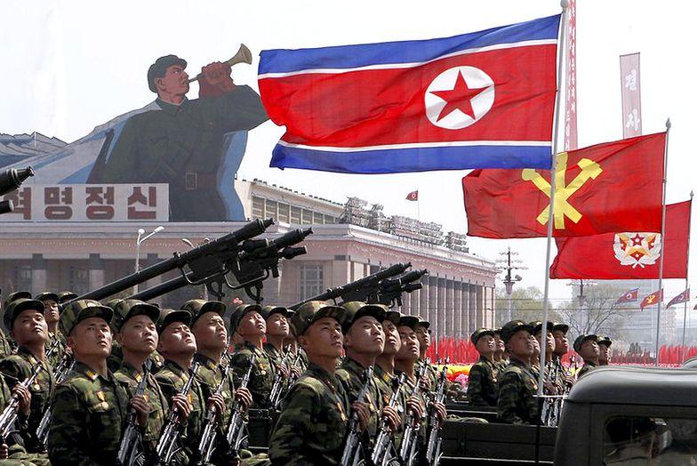 Defilada żołnierzy Korei Północnej. <br> Niebawem rozejm na granicy?