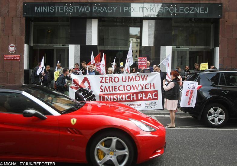 Protest Prekariatu, czyli osob pracujacych na niskoplatnych umowach i śmieciowkach, 2015 r.