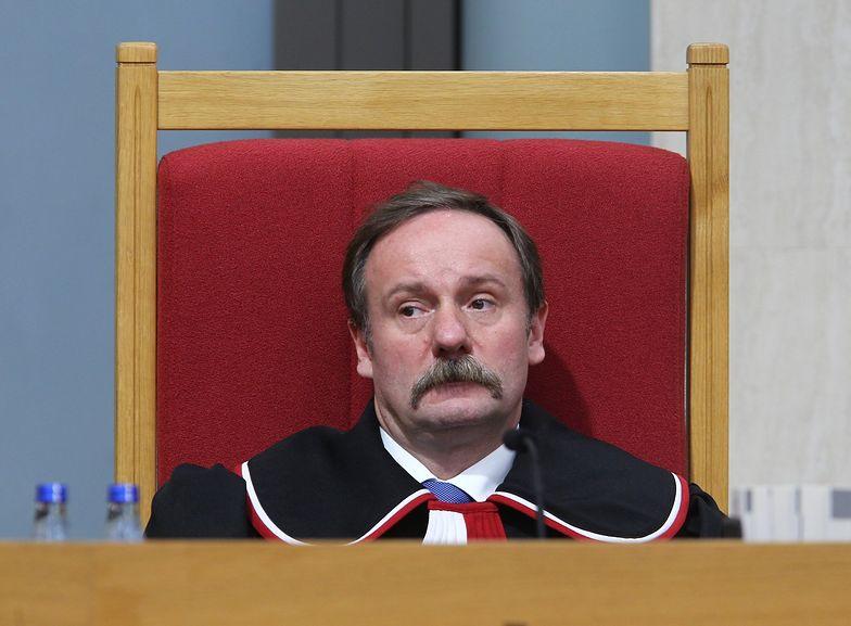 Piotr Pszczółkowski zarabiał na długach szpitali. Teraz orzeka w Trybunale
