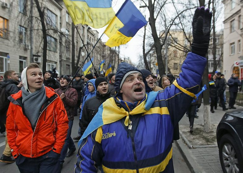 Ukraińcy oblegają siedzibę Janukowycza