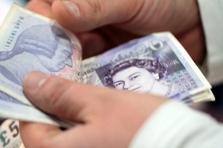 Funt kosztuje już nawet 5,20 złotego. Dolar najmocniejszy od ponad 30 lat