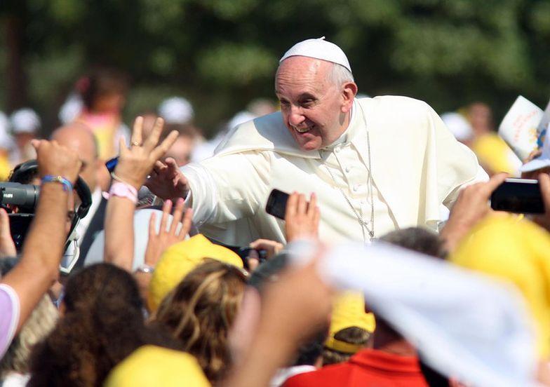 Papież na Twitterze. Ponad 10 mln ludzi obserwuje Franciszka