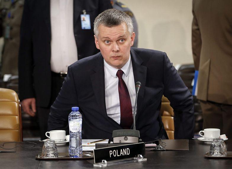 Pomoc dla Ukrainy. Siemoniak: dobrze życzymy misji Merkel, ale jej nie popieramy