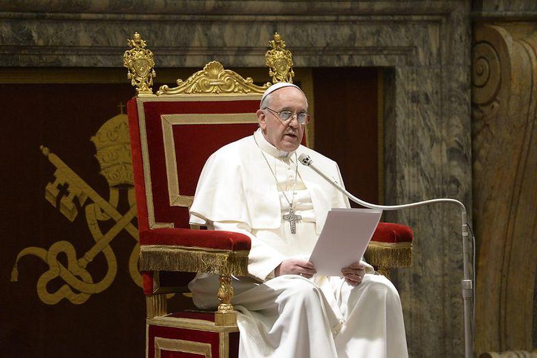 """Papież wzywa do pokoju na świecie. """"Przestańcie, proszę was z całego serca"""""""