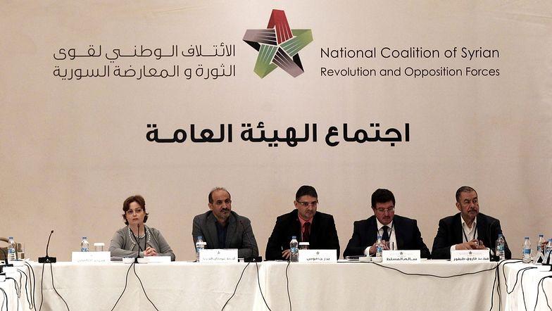 Syryjska opozycja, podzielona jak nigdy, spotyka się w Stambule