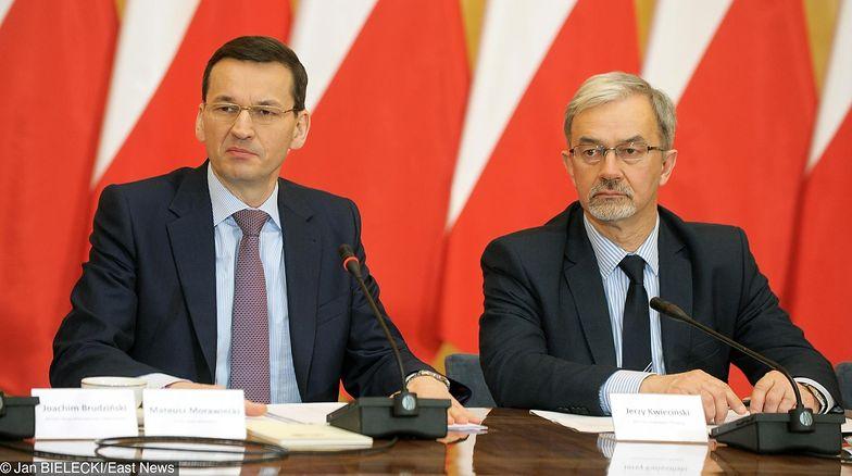 Premier Mateusz Morawiecki wraz z ministrem inwestycji i rozwoju Jerzym Kwiecińskim.