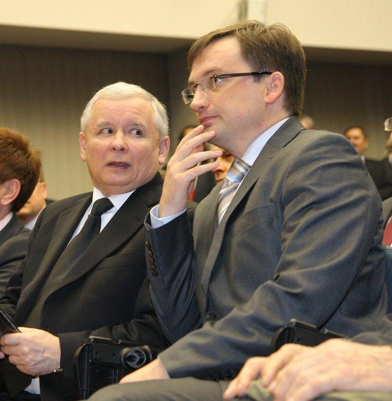 Współpraca Kaczyńskiego z Ziobro? Chcą odsunąć PO od władzy