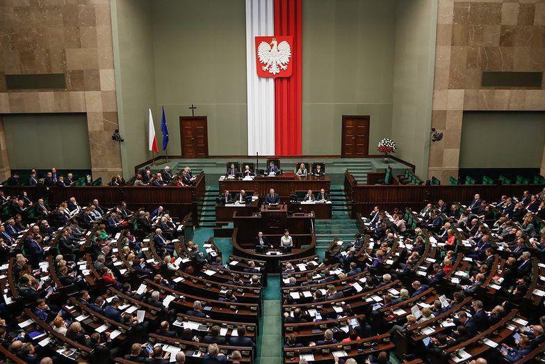 Na utrzymanie Sejmu Senatu i kancelarii Prezydenta wydajemy z budżetu ponad miliard zł. To zaledwie 0,2 proc.