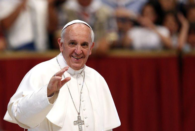 Rzecznik Watykanu prostuje wywiad papieża Franciszka