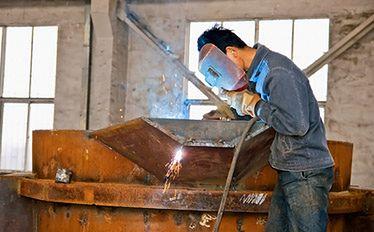 Spawacz w Częstochowie może pracować na hali produkcyjnej