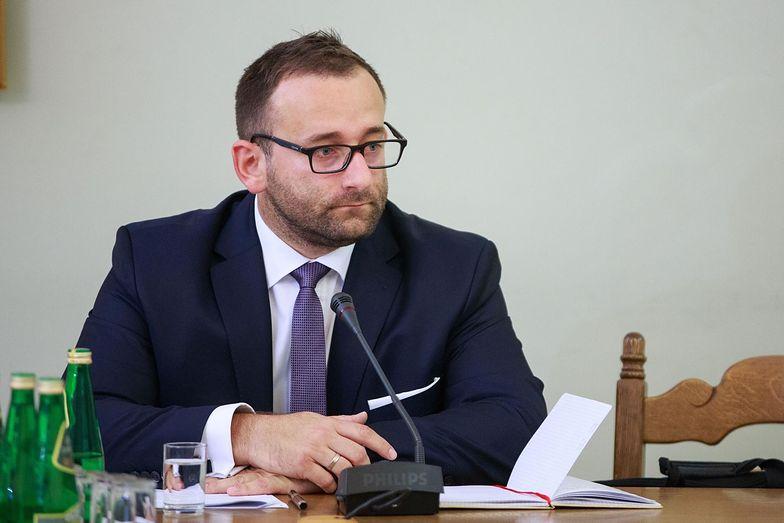 Przed komisją śledczą zeznawał b. dyrektor marketingu linii lotniczych Jet Air Ireneusz Dylczyk.
