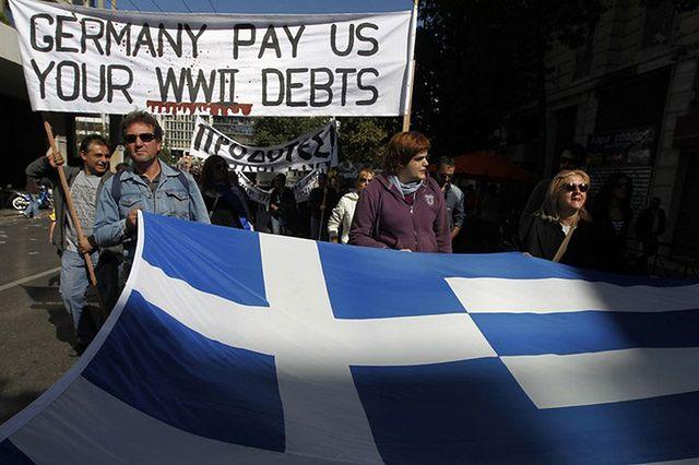 Grecja: Prawie o połowę spadło poparcie dla neofaszystów