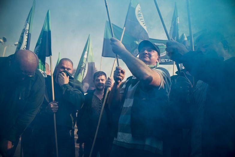 05.10.2015. Protest górników i związkowców pod kopalnią węgla kamiennego Brzeszcze