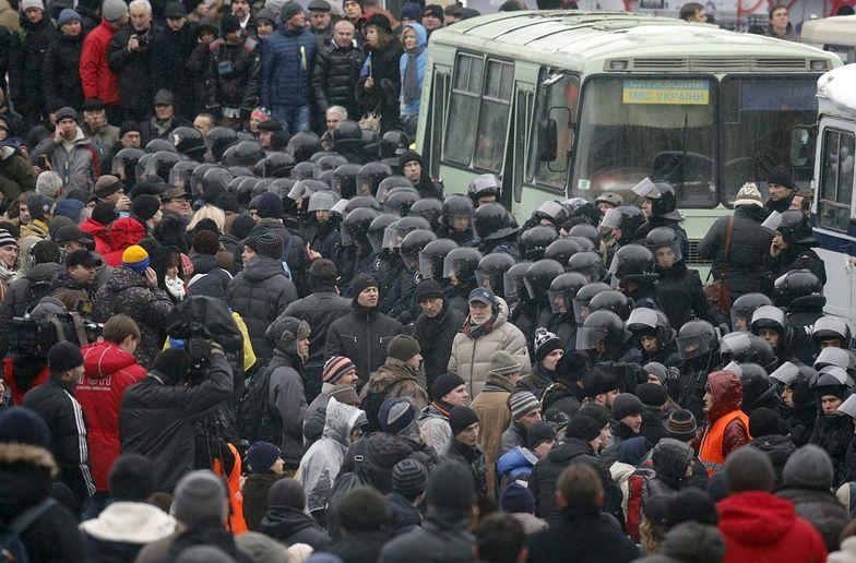 Protesty na Ukrainie. Koncentracja milicji i ostrzeżenia przed atakiem