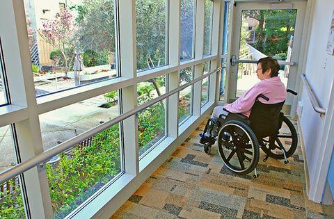 Niepełnosprawni uczniowie. Im gminy mają obowiązek zapewnić transport do szkoły