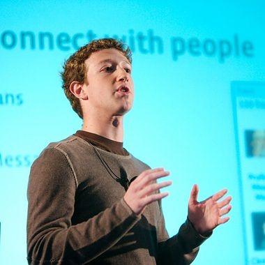 Facebook kupił WhatsApp. Za 19 mld dolarów