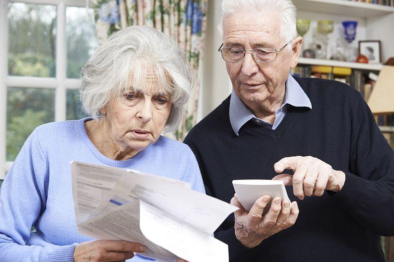 Choć wypłaty kobiet są dużo niższe na emeryturze, to jednak system działa na ich korzyść