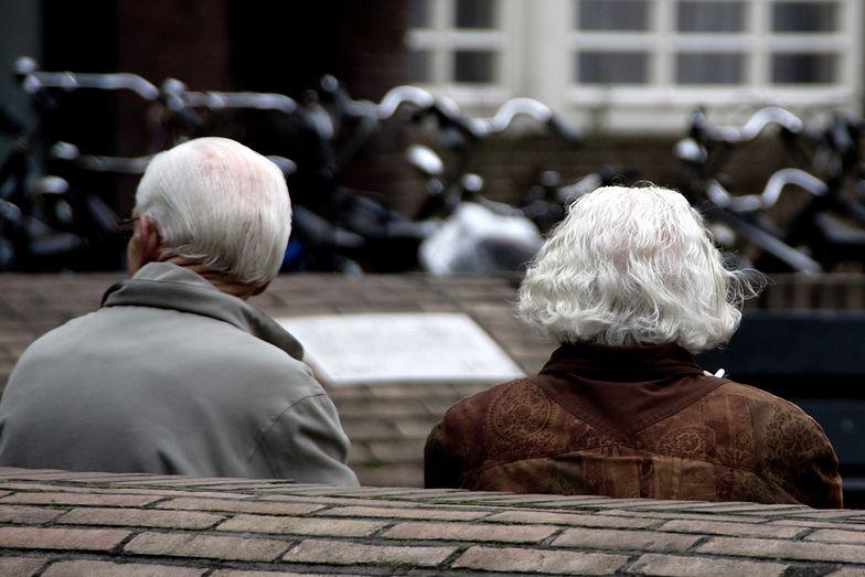 Imigranci we Włoszech utrzymują 620 tysięcy emerytów