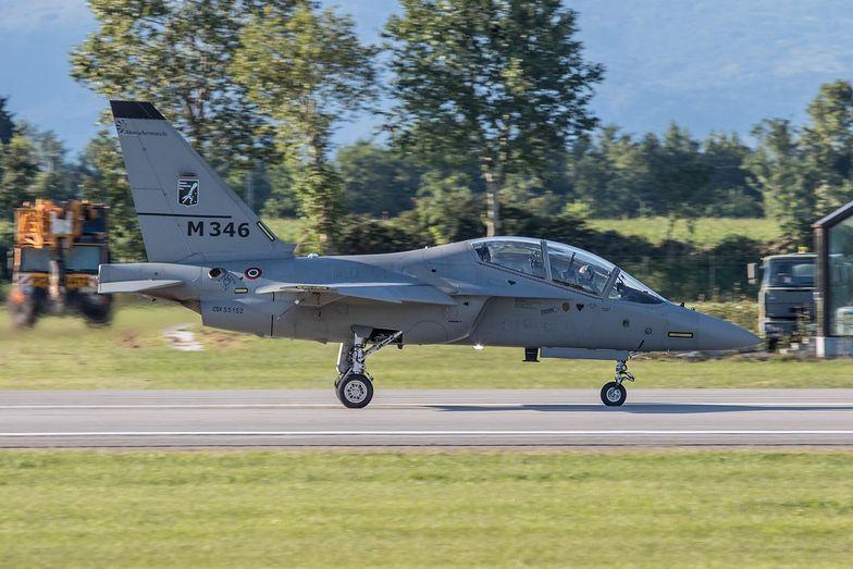 Master to włoska nazwa samolotów typu M-346. Wśród pilotów i personelu technicznego polska wersja nieoficjalnie nazywana jest Bielikiem