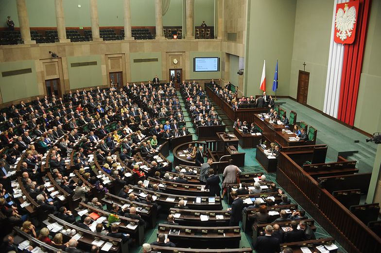 Sejm zajmie się zmianami w OFE w grudniu