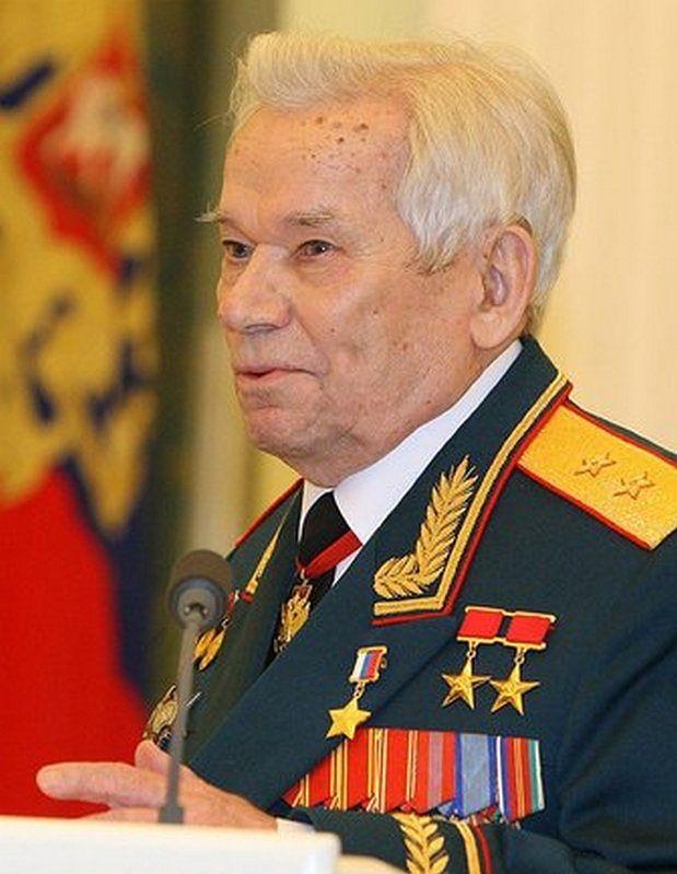 Zmarł słynny konstruktor karabinu AK-47