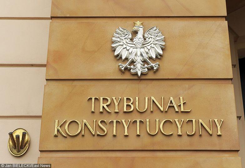 Nowelizacja ustawy o Trybunale Konstytucyjnym. Według projektu PiS, orzekać miałby w składzie co najmniej 13 sędziów