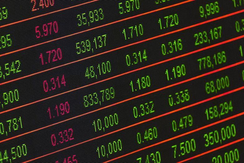 Orbis przeanalizuje rozdzielenie biznesów asset heavy i asset light